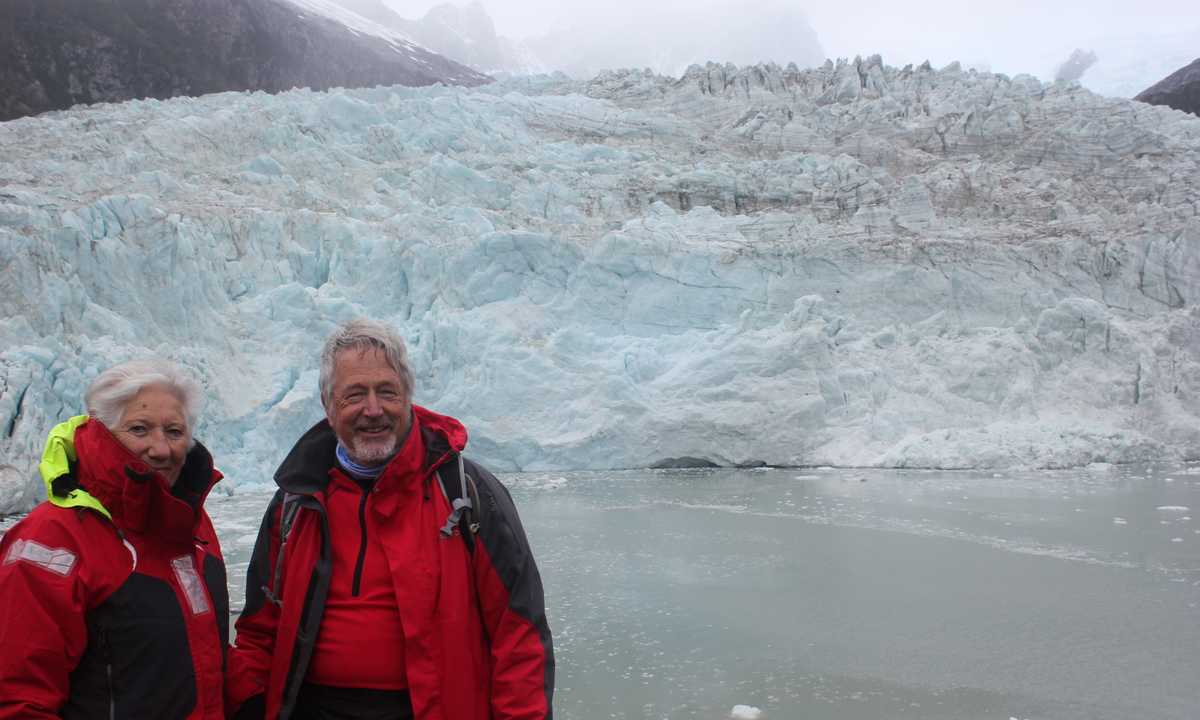 CUS_3_PETER-MARY_PRIV_CRUISEGLACIER