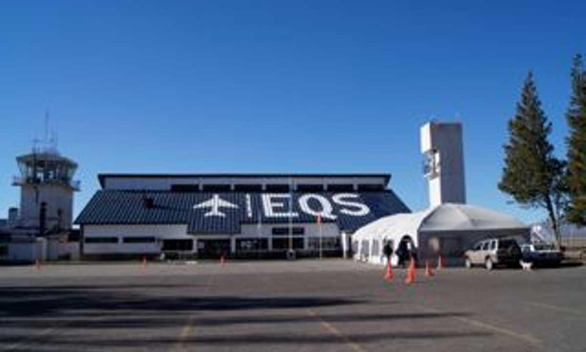EQS airport