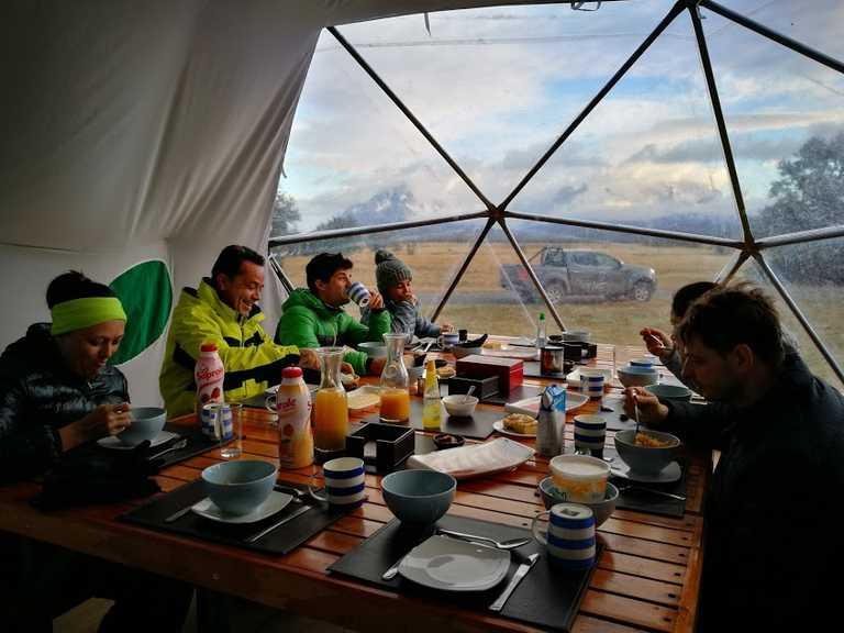 SWO_3_Zoe_ALL_eating-at-serrano-camp