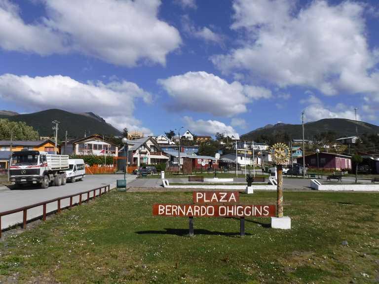Puerto Williams Bernado O'Higgins Plaza