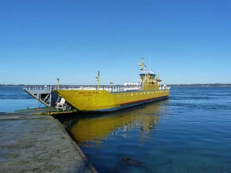 Ferry to Chiloe - Small - SD p-p