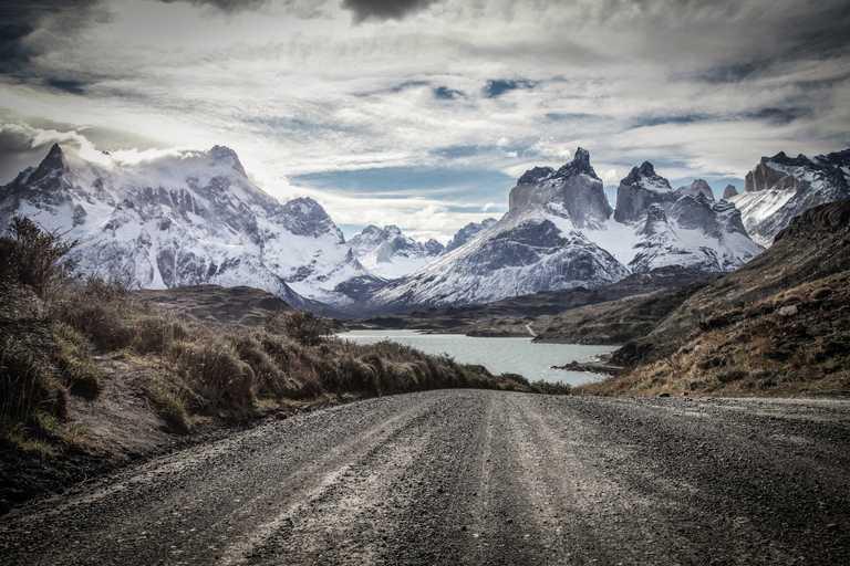 Road to Grey Lake winter