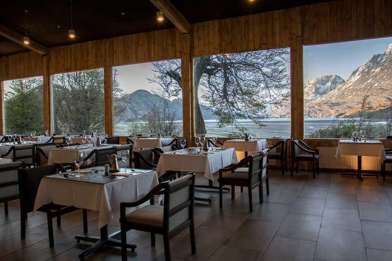 Hotel Grey dining