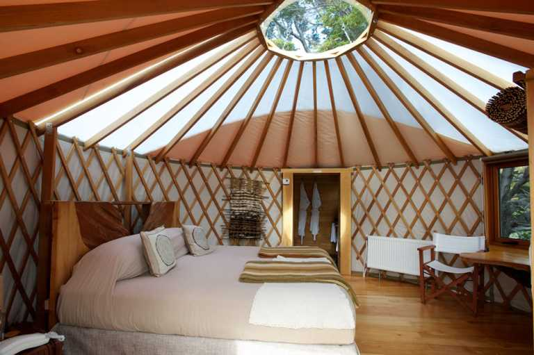 Eco Yurt W Trek - Bedroom P_CAMP