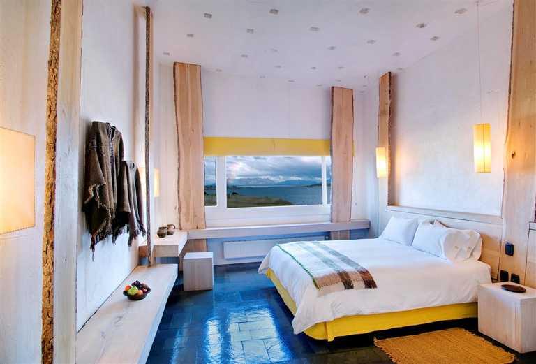Bedroom at Remota - Large - REM