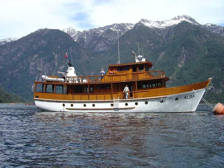 Pumalin cruise