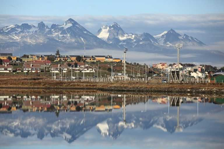 Ushuaia-port-small-SWX-p-p