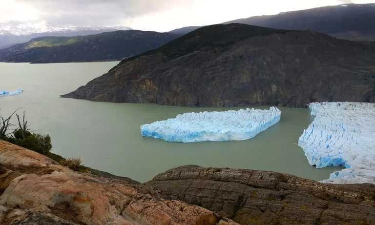 grey_glacier_calving