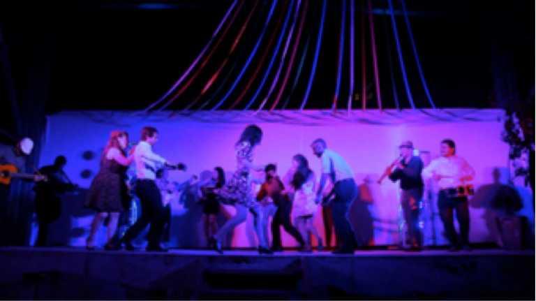 Violeta-Entertainment-Santiago-Small-SWX