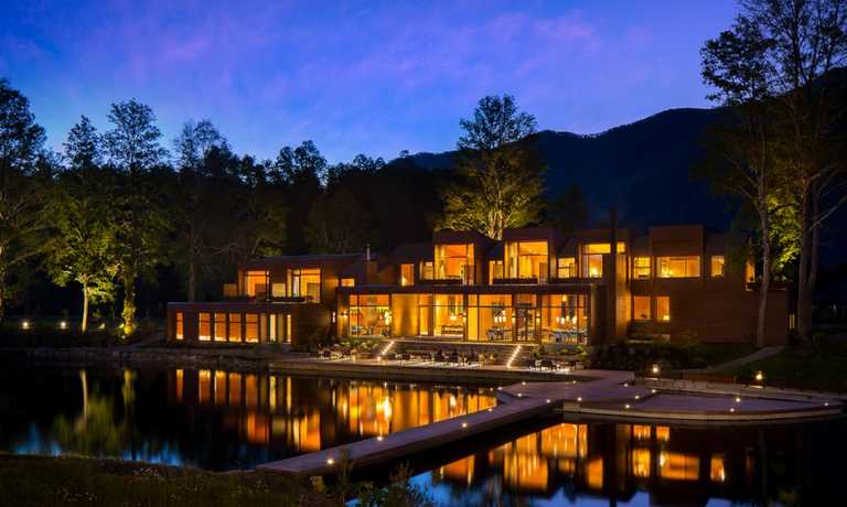 Explore Chilean Lakes from Luxury